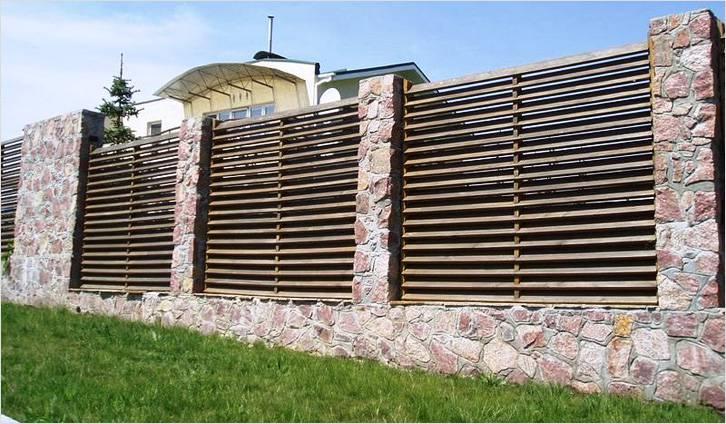 забор жалюзи камень