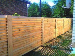 Забор дерево жалюзи